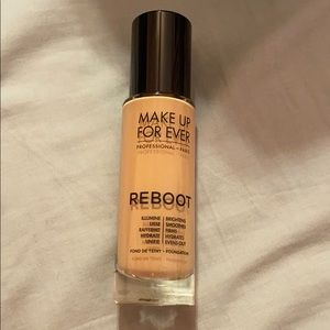 BRAND NEW makeup forever reboot foundation